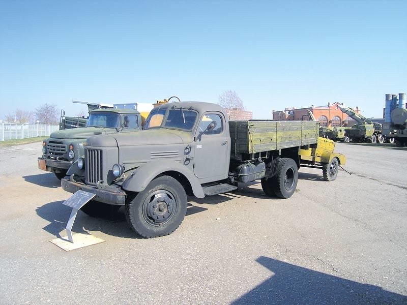 ЗиЛ-164 получил массовое распространение не только в СССР, но и в ГДР