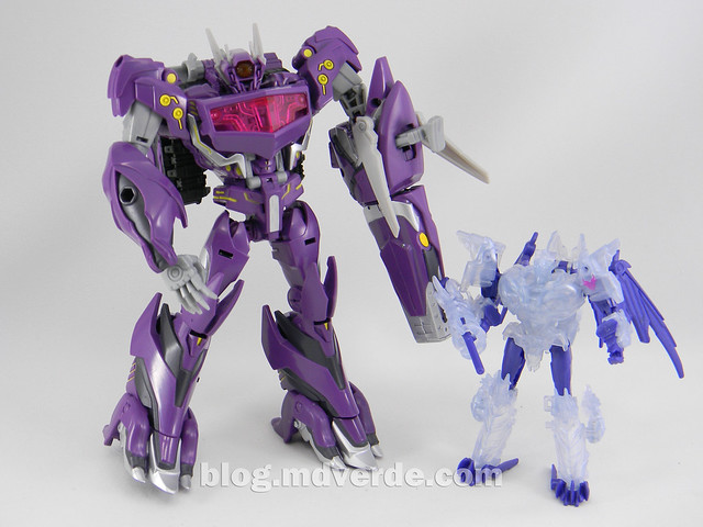 Transformers Shockwave Voyager - Generations SDCC Exclusive (Shockwave's Lab) - modo robot vs Predaking