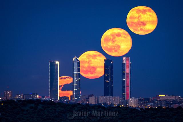 Y así sale la luna