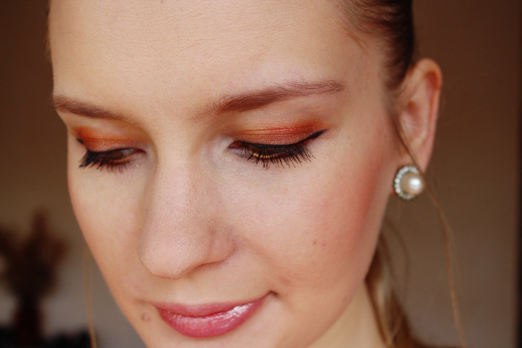 gold-bronze-copper-makup-eye-shadow
