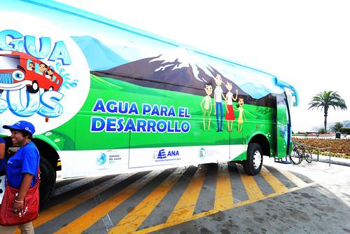 Día Mundial de agua en el  Acuabus   (12)