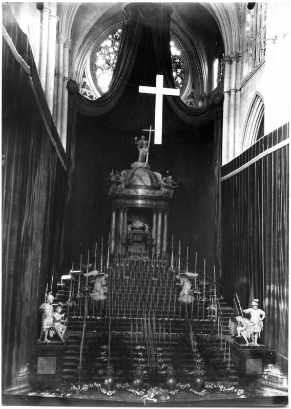 Monumento de semana Santa en Toledo obra de Ignacio Haan. Fotografía Rodríguez. Archivo Histótico Provincial, JCCM  34_sc_04_14