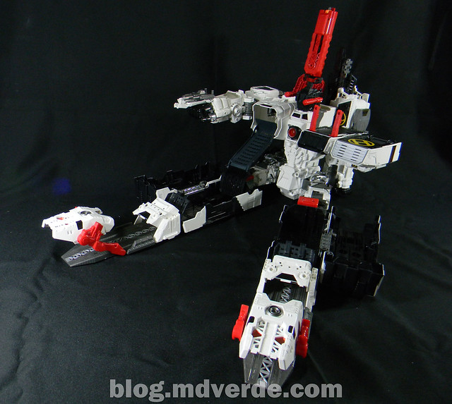 Transformers Metroplex - Generations Titan SDCC Exclusive - modo base