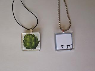 glass pendant necklaces
