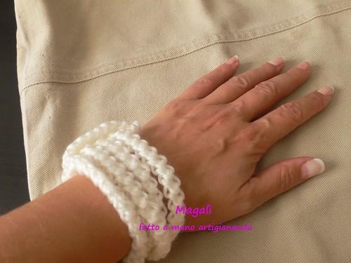 bracciale bianco a spighetta 2