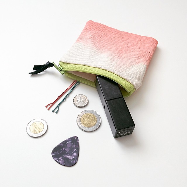 coin purse. dip dyed ziazia.