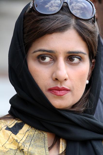 11e04 Primer ministro Pakistán Elíseo Sarkozy Lellouche y varios Hina Rabbani Khar 0094 variante Uti 425