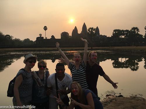 Jecke vor der größten Tempelanlage der Welt: Angkor Wat