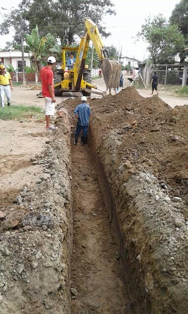 Aguas del Chuno construye redes sanitarias en calle Cotopaxi
