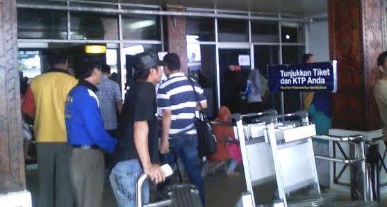 Terminal Keberangkatan Bandara Radin Inten II (Adin, 1 Juli)