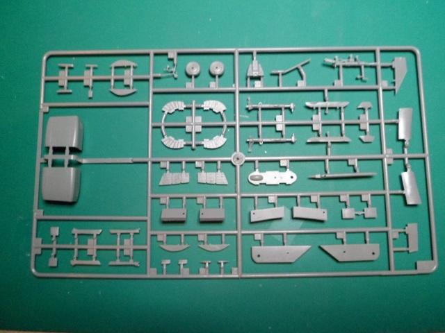 Ouvre boîte Shenyang J-8 II Finback B [Trumpeter 1/48] 16711167438_2ed40b0d42_o