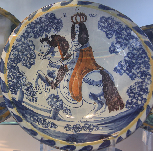 English delft charger - William III, reference