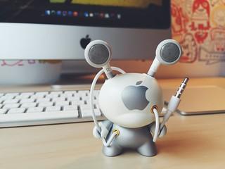 Kidrobot Dunny Apple Custom