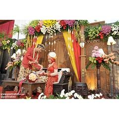 Kacar kucur. Javanese wedding ceremony on Amel+Rusman wedding. Wedding day at Wates Yogyakarta. Wedding photo by @Poetrafoto.   Visit our web on http://wedding.poetrafoto.com and our FB page on http://fb.com/poetrafoto for more wedding photos.   Thank you