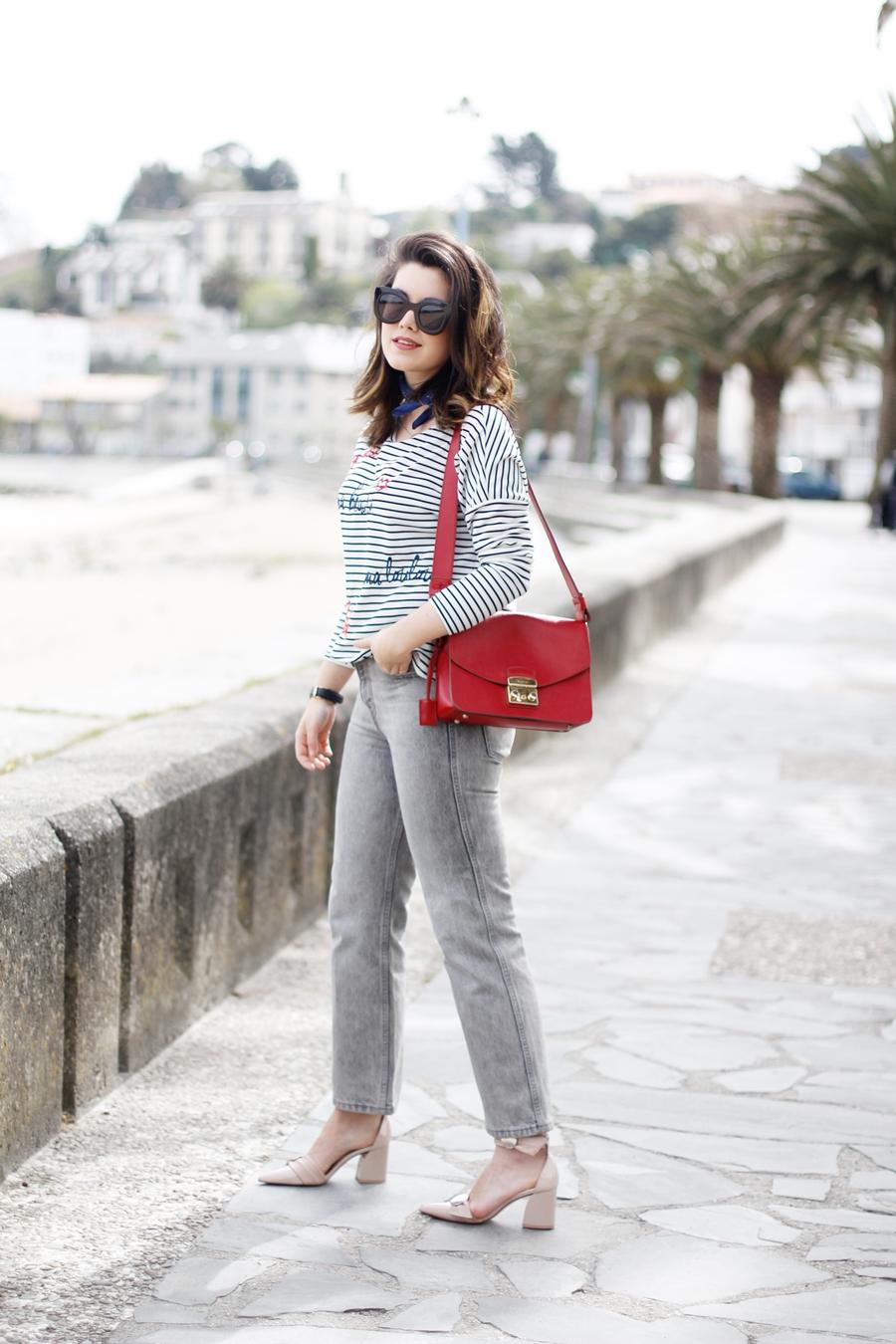 estilo parisino camiseta rayas gafas celine y stiletto uterque myblueberrynightsblog streetstyle