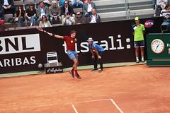 Federer body serve