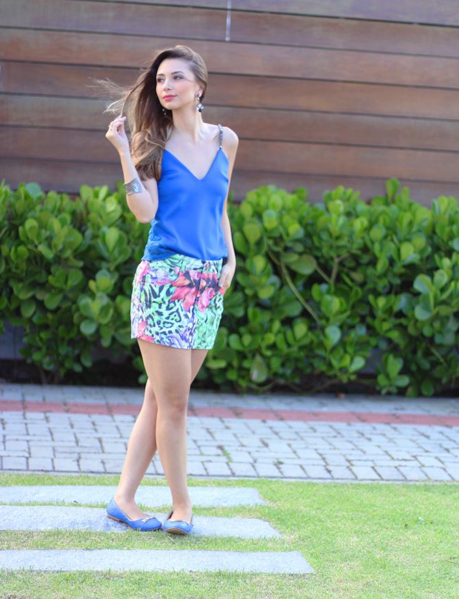 02-saia jeans colorida estampada e blusa azul naguchi verão blog sempre glamour