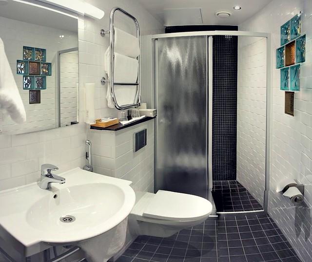 Hotel Helka kylpyhuone