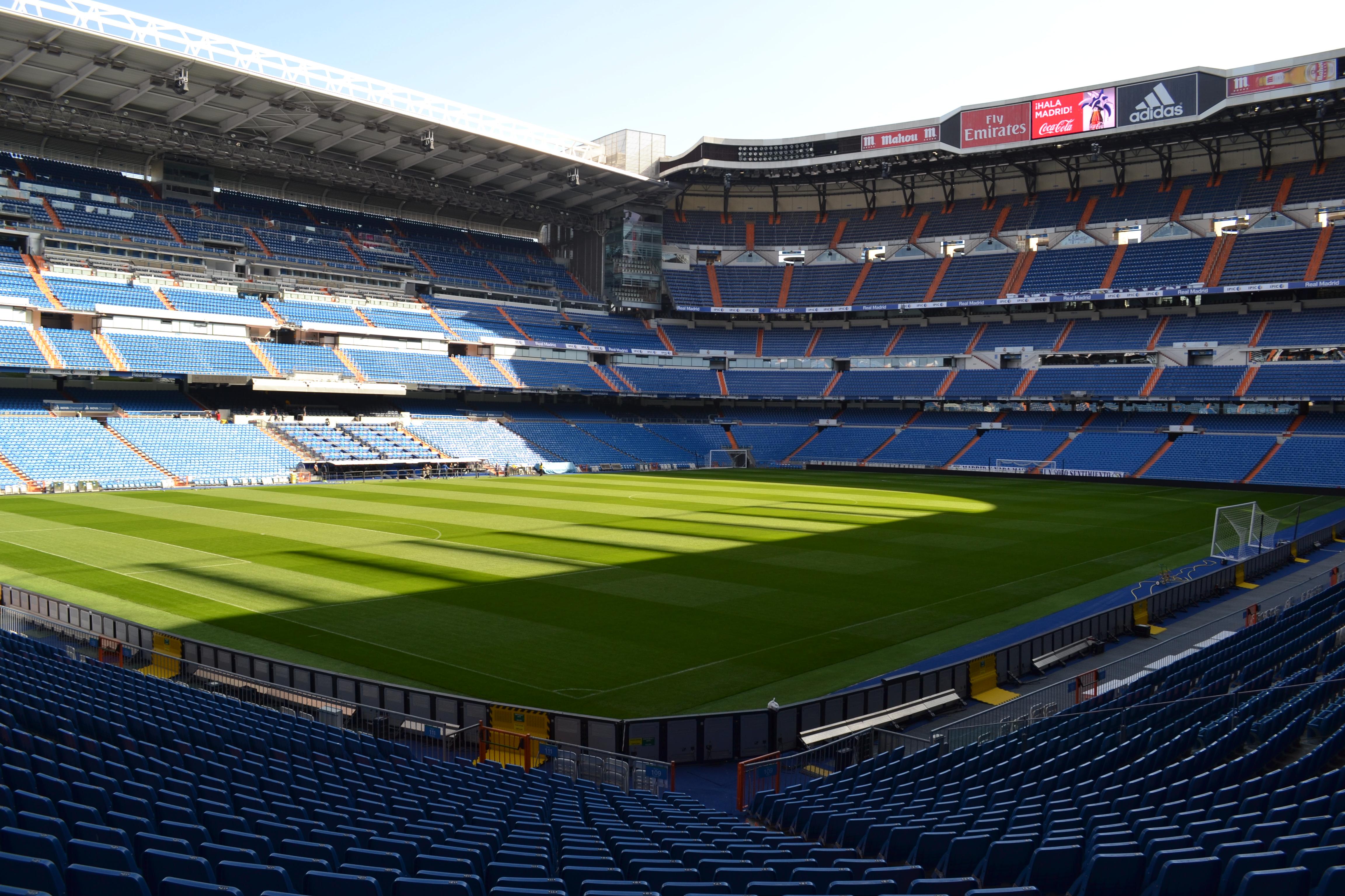 Madrid morning highlights tour and santiago bernabeu stadium for Puerta 8 bernabeu