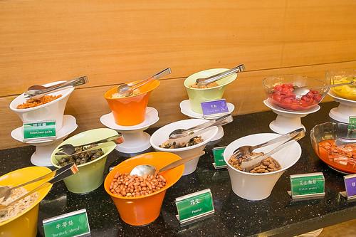 推薦住宿優惠,台南商務會館冬春旅展方案-小資也可豪華出遊_早餐自助吧07
