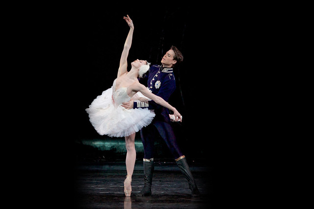 Matthew Golding as Prince Siegfried and Natalia Osipova as Odette in Swan Lake. © ROH 2015. Photo by Alice Pennefather 2015