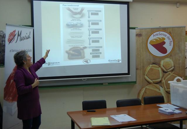 Mariló Recio, nutricionista, explica la fabricación y los beneficios del pan tradicional