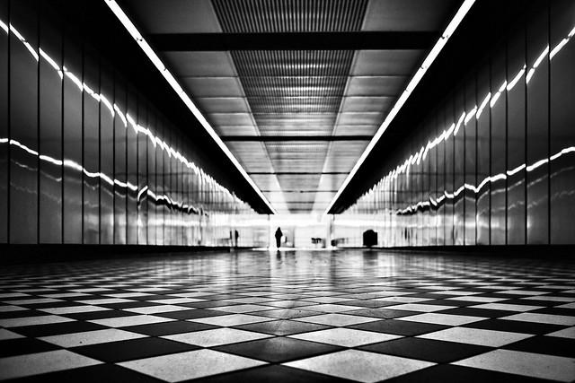 d26b73 - into the light