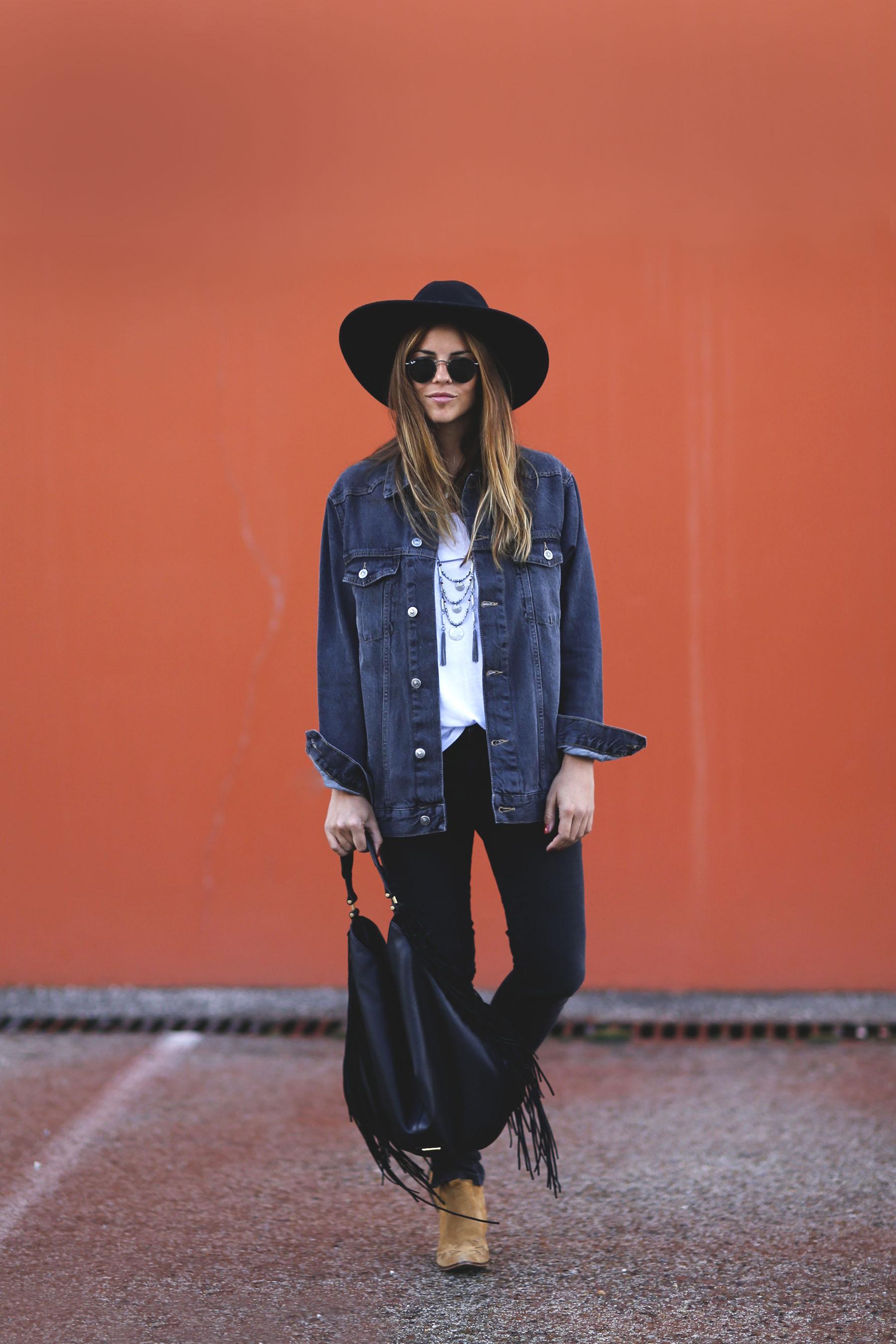 trendy-taste-look-boho-sombrero-flecos-botines-camperos-cowboy-spring-primavera-denim-4