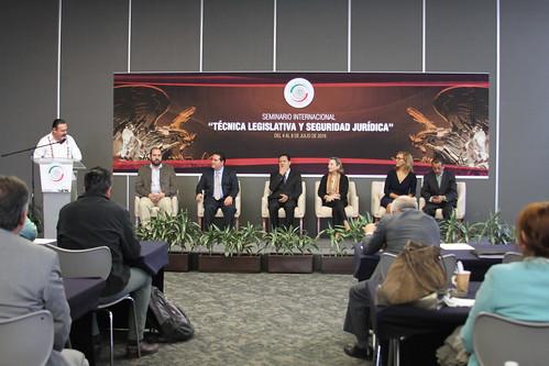 El día viernes 8 de julio se realizó el Seminario internacional: Técnica legislativa y seguridad parlamentaria, en el Senado de la República.