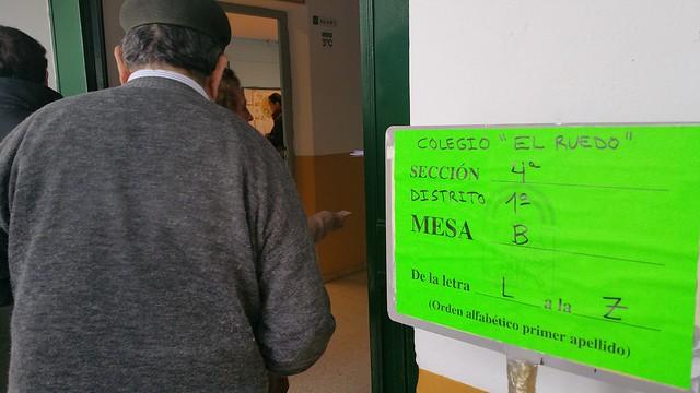 AionSur 16279142033_3285a1fa8b_z_d PODEMOS surge como nueva fuerza política, los tres partidos principales, PP, PSOE e IULV-CA pierden votos Sin categoría Jornada electoral marzo 2015