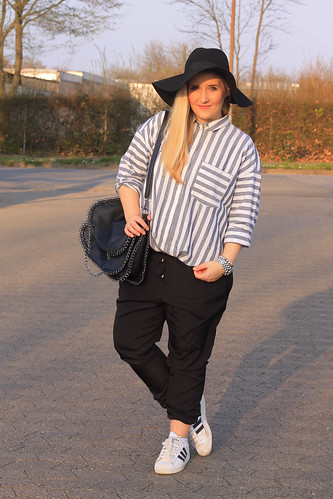 outfit-spring-frühling-asos-bluse-newyorker-chino-adidas-superstar-hut