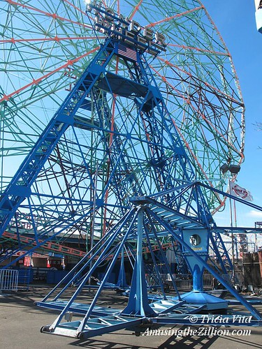 Scrambler Deno's Wonder Wheel Park