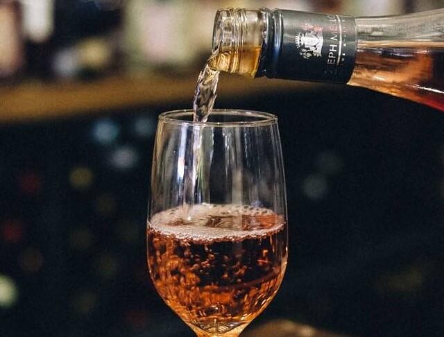 Cordial Fine Wine & Spirits Rosé Tastings