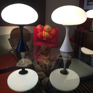Graceful Laurel Midcentury Modern Mushroom Table Lamps (U.S.A., 1960s)