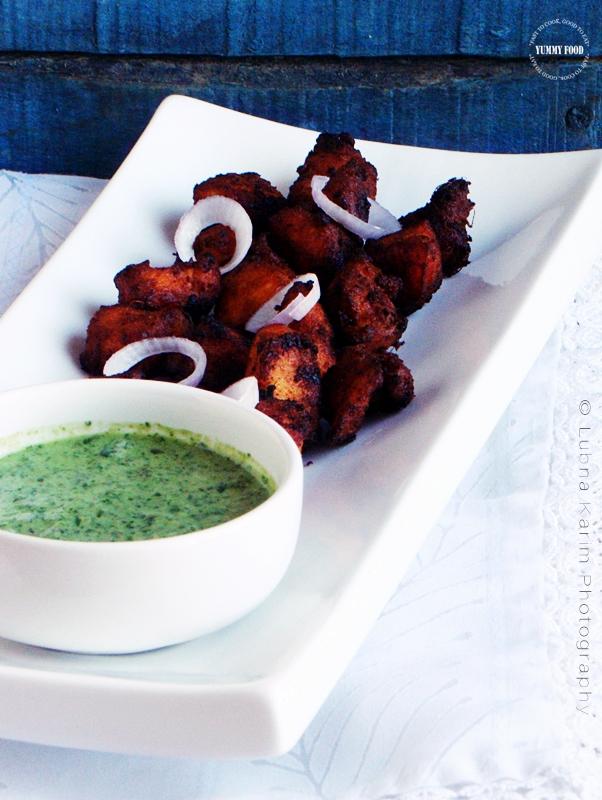 Tandoori Chicken Bites with Mint-Yogurt Dip