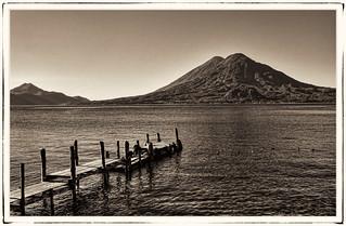 Panajachel GCA  - Lago de Atitlan with Volcán Tolimán 07