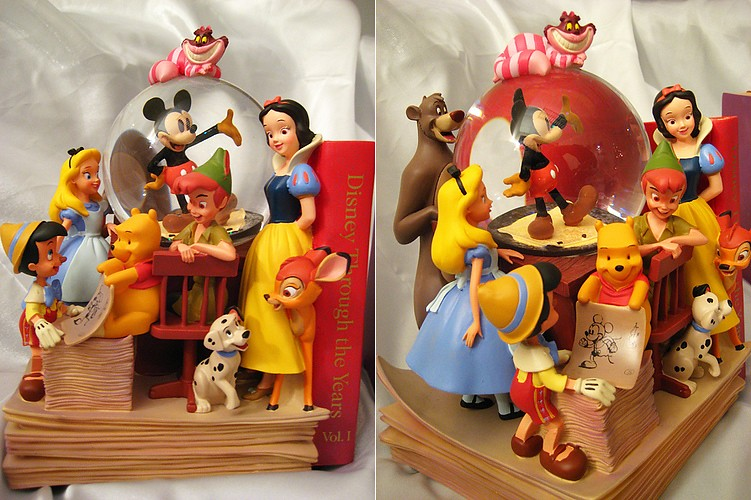 A World of Disney Snowglobe Bookends 1-tile