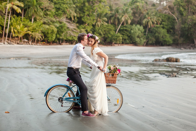 E & G Costa Rica Beach Elopement 0