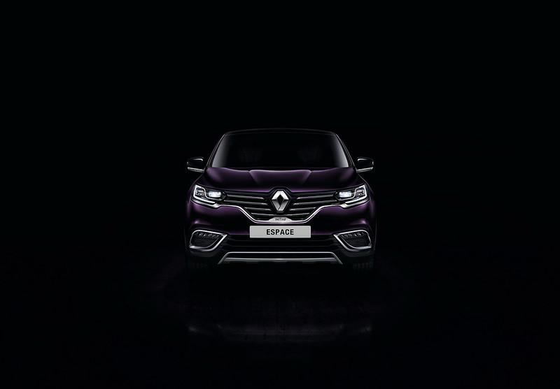 Премиальный минивэн Renault Espace Initiale Paris