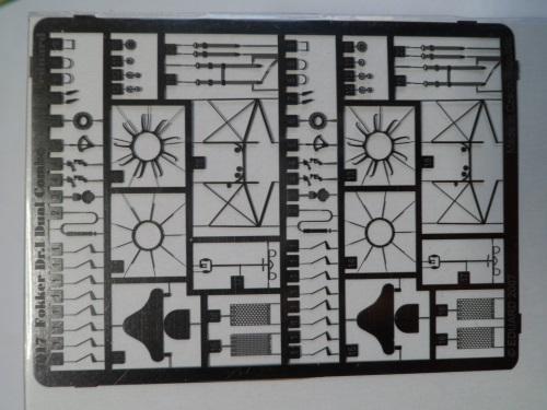 Ouvre-boîte Fokker DR.I  [Eduard 1/72] 17212288376_70af0aebbe_o