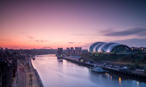 sunrise newcastle dawn tynebridge milleniumbridge rivertyne thesage tyneandwear