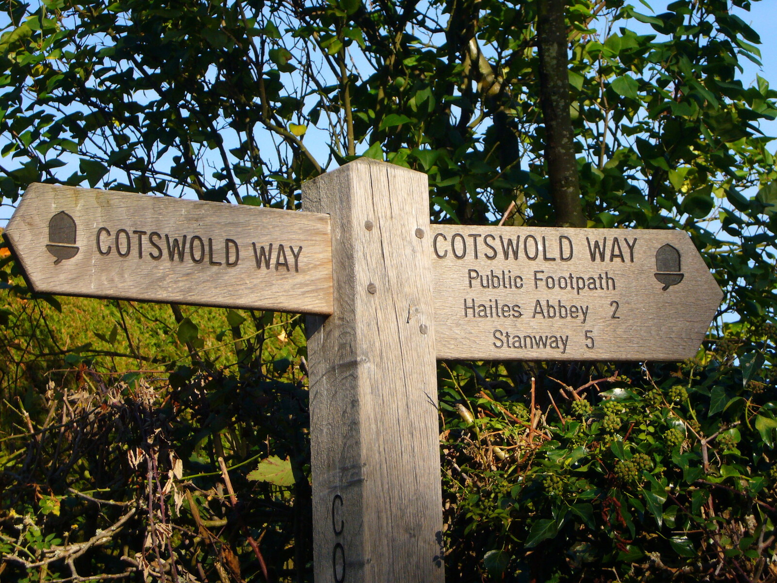 Signpost along the Cotswold Way. Credit Richard Cocks