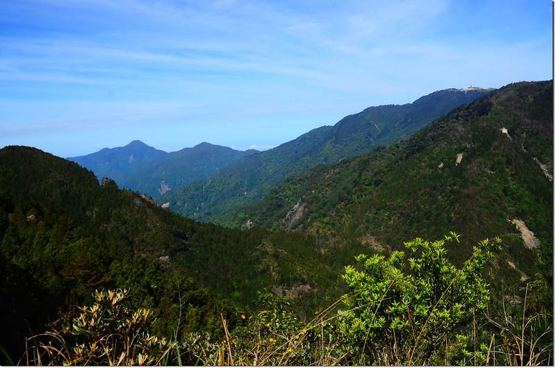 榛山觀景台西眺鹿場大山、北坑山及東洗水山 1