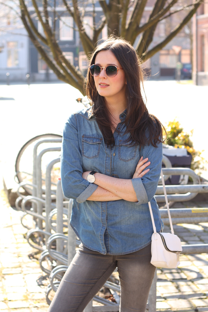 casual outfit: denim shirt, daniel wellington watch, cross body bag