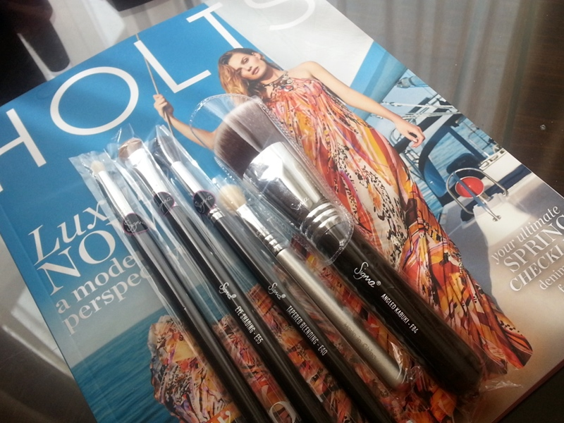 HOLTS Magazine Sigma brushes