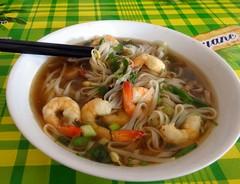 mi rebus(0.0), fried noodles(0.0), pancit(0.0), chinese noodles(0.0), chow mein(0.0), noodle(1.0), bakmi(1.0), bãºn bã² huế(1.0), noodle soup(1.0), kuy teav(1.0), kalguksu(1.0), food(1.0), dish(1.0), laksa(1.0), southeast asian food(1.0), soup(1.0), cuisine(1.0),