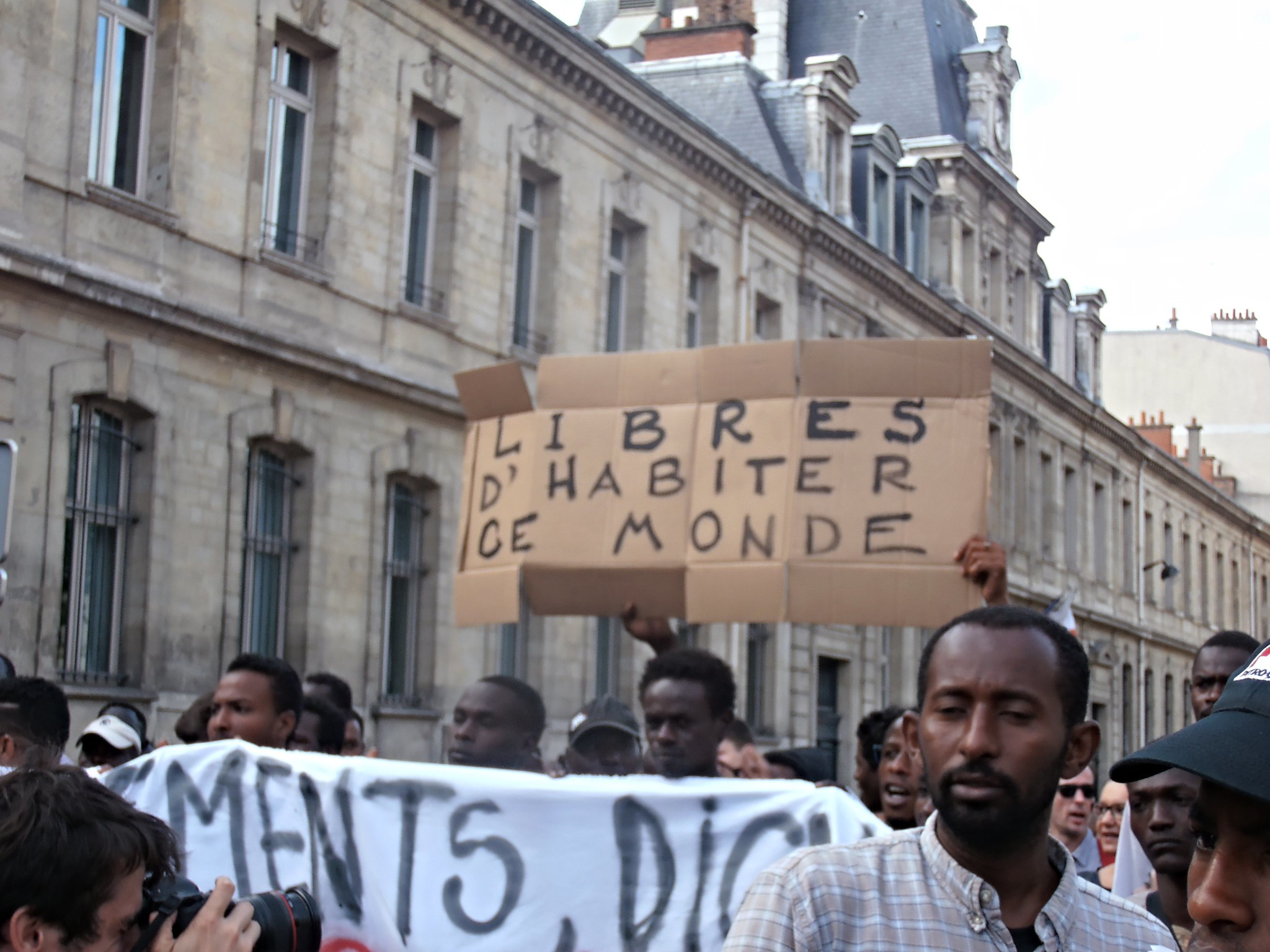 Migrants' protest. Paris La Chapelle