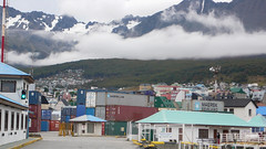 Ushuaia i otaczajace góry.