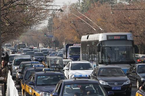 Trolleybus stuck in traffic on Jingshan Front Street