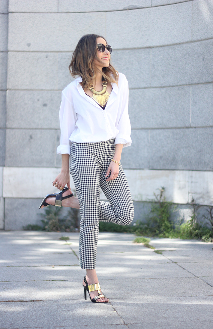 vichy trousers zara white shirt black sandals 10